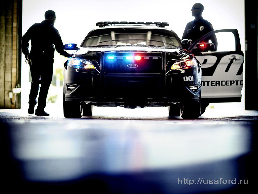 ford_police_2012_01.jpg