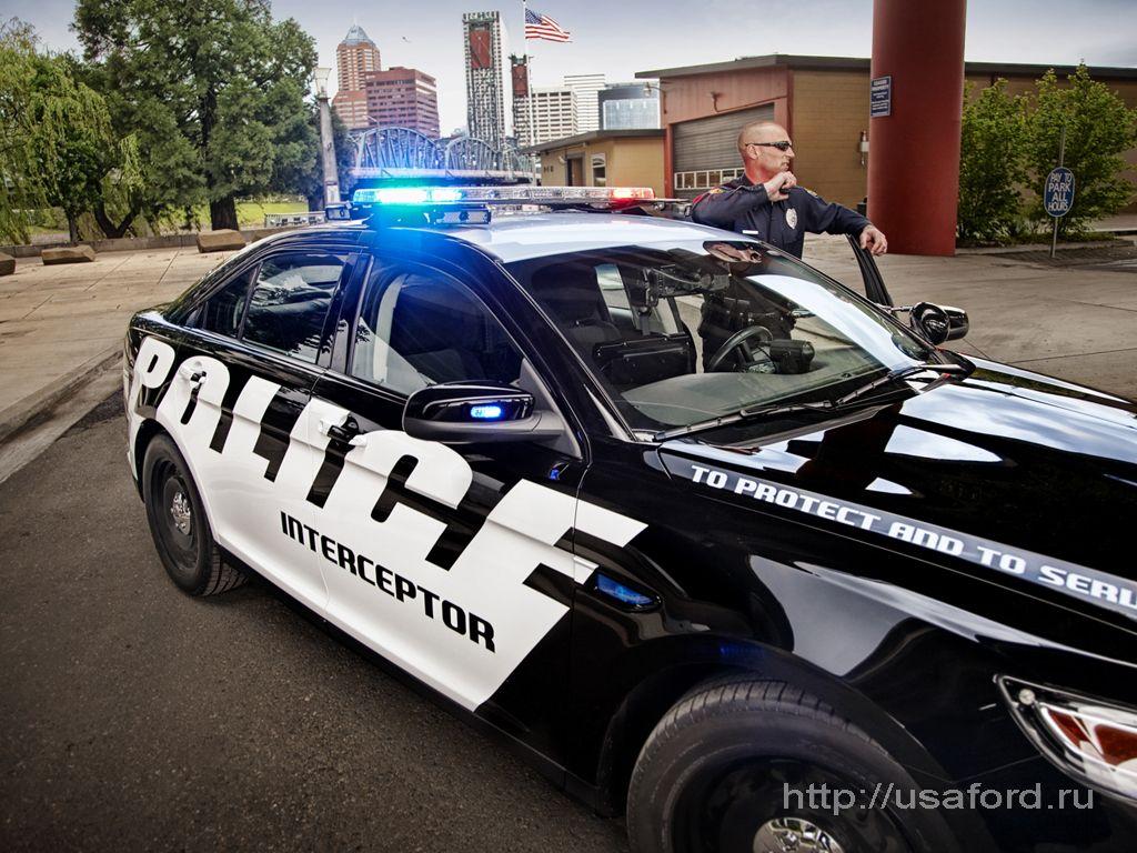 ford_police_2012_02.jpg