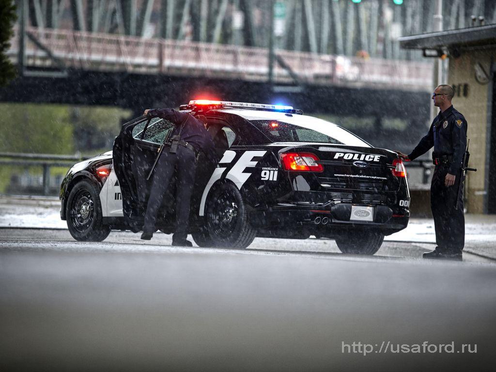 ford_police_2012_03.jpg