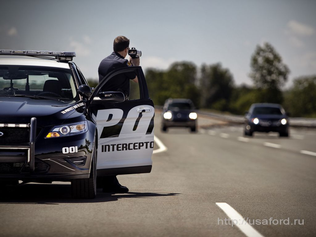 ford_police_2012_08.jpg