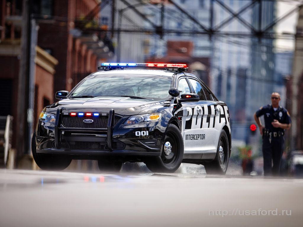 ford_police_2012_a.jpg