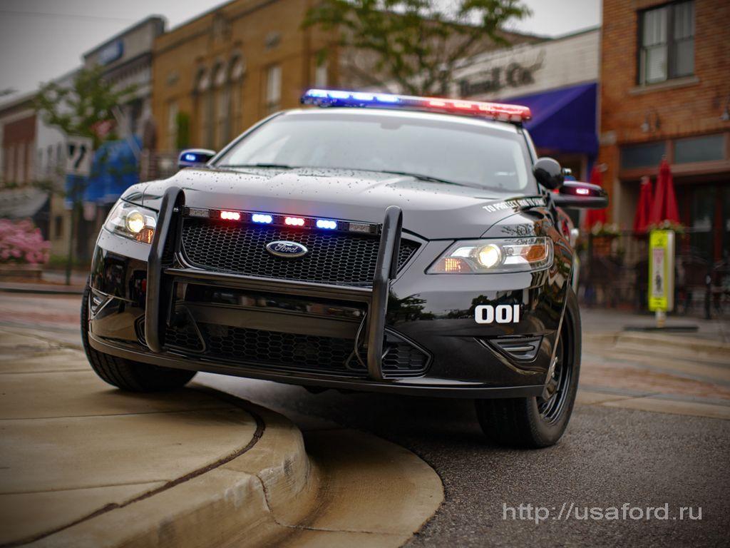 ford_police_2012_b.jpg