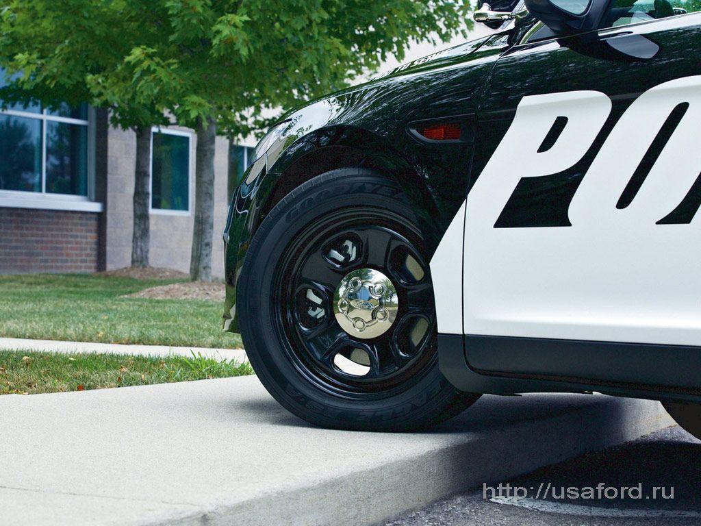ford_police_2012_g.jpg