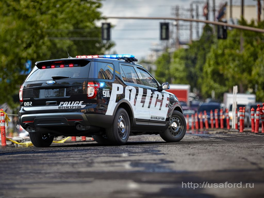 ford_police_2012_t.jpg